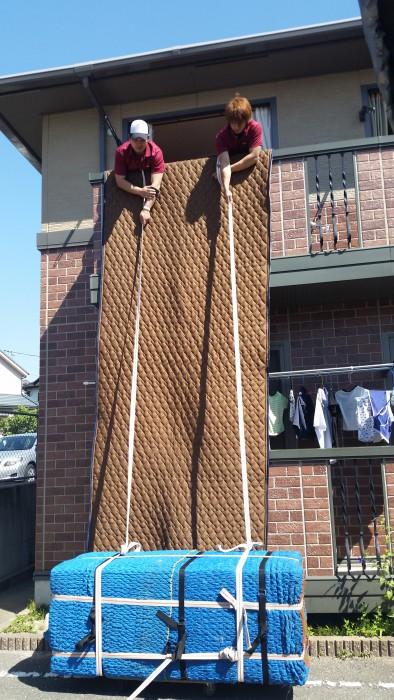 吊り上げを行う場所で、吊りロープを結びます。