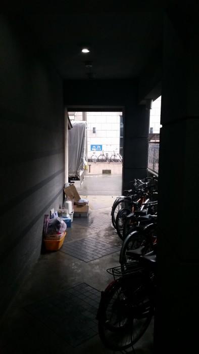福岡県福岡市中央区港の某マンションの1階